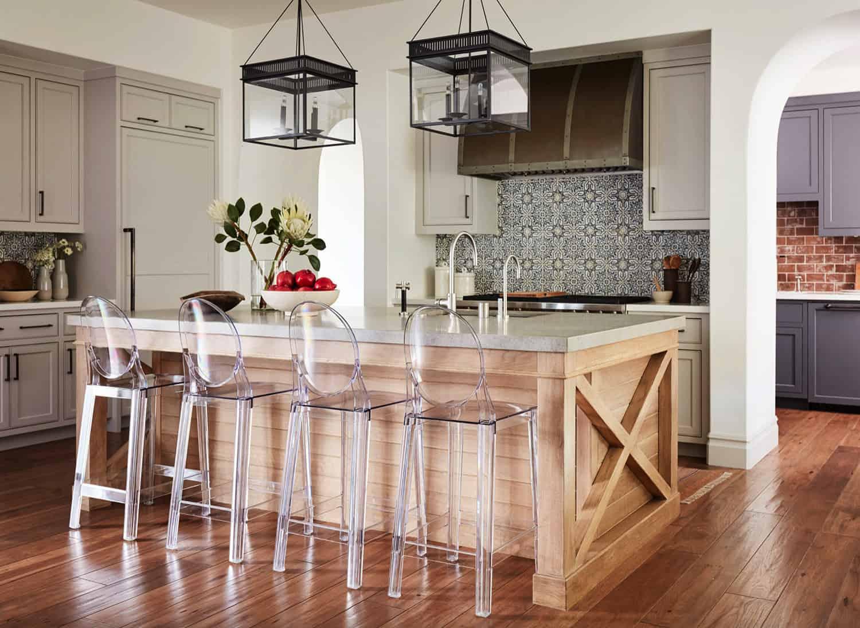 Sillas de diseño en la cocina